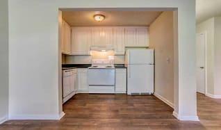Kitchen, Pine Brook