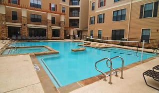 Pool, Maverick Place
