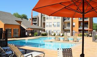 Pool, Alvarado