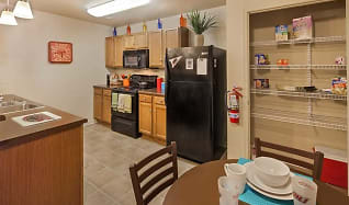 Kitchen, Reserve At Saluki Pointe
