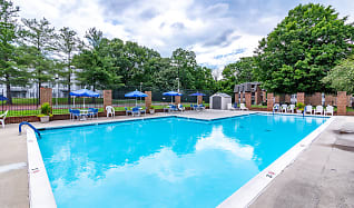 Pool, Bent Creek Apartments and Townhomes