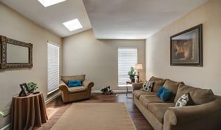 Living Room, Woods On Lamonte