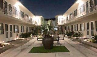 Courtyard, Emerald Garden Apartments