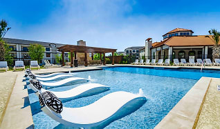 Pool, The Mansions at Spring Creek