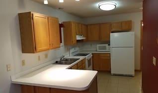 Kitchen, 546 Lovell Ave #5