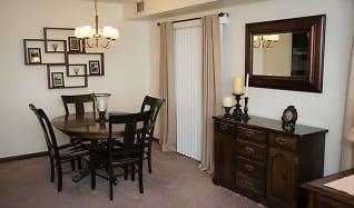 Dining Room, Garfield Manor