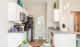 Kitchen, Woodland Acres Townhomes