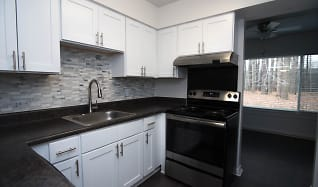 Kitchen, Grand Lake Townhomes