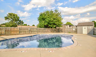 Pool, Timbers North Apartments