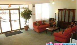 Living Room, 2100 Washington Ave Apt 6D