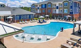 Pool, Hawthorne at Simpsonville