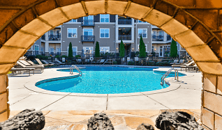 Pool, Fountains At Mooresville Town Square