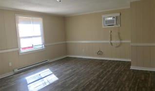 Livingroom.jpg, 113 W Pinetree Dr