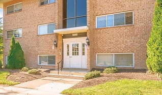 Building, Woodbourne Apartments
