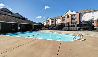 Pool, Quail Creek Apartments