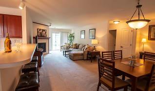 Open concept living spaces, Falcon Glen