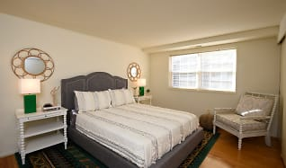 Bedroom, Colony Hill