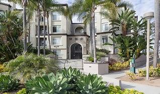 Building, Regents La Jolla