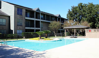 Pool, Hammerly Oaks