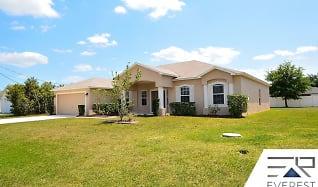 40 Louisburg Ln, Marineland, FL