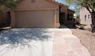 672 W Cholla Crest Drive, Green Valley, AZ
