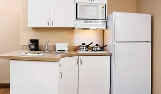 Kitchen, Furnished Studio - Miami - Airport - Doral - 25th Street