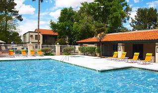 Pool, El Conquistador