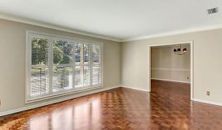 Living Room, 2317 Segovia Ave