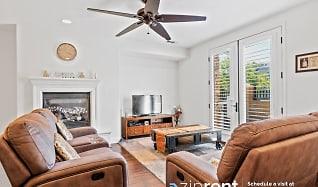 Living Room, 3739 Central Pkwy