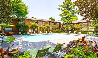 Pool, The Edison Apartments