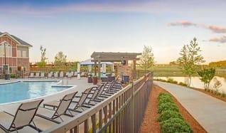 Pool, LangTree Lake Norman Apartments