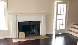 Living Room, 15403 Ward