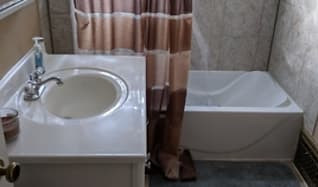 Bathroom, 120 14th Ave N #2