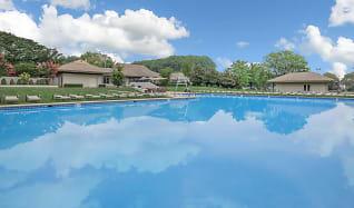 Pool, The Grand at Neshaminy