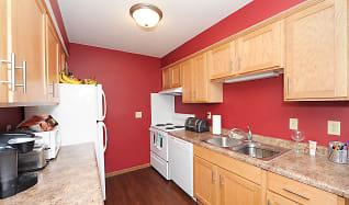 Kitchen, College Living St. Cloud