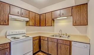 Kitchen, Briarwood Village Apartments
