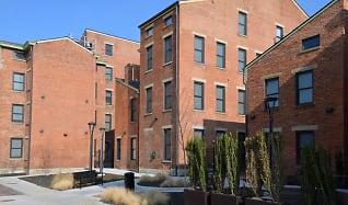 Building, Mercer Commons