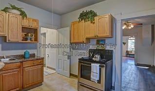 Kitchen, 364 E 7th Ave