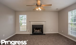 Living Room, 504 Wyntuck Dr