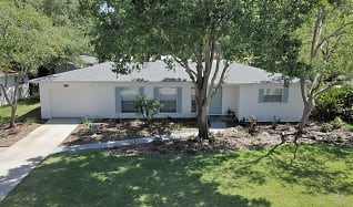Aerial Direct Front of the home.JPG, 3408 South Beach Drive