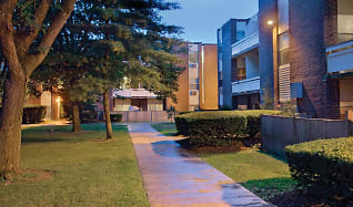 Pool, Waverly Apartments