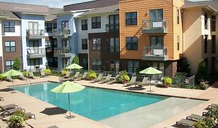 Pool, Oaks 5th Street Crossing