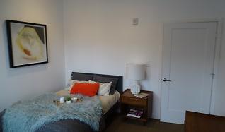 Bedroom, Ten Front Street