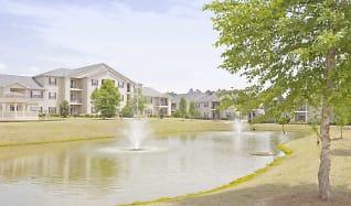 Building, Houston Lake Apartment Community