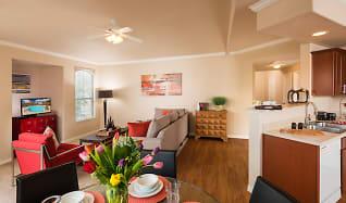 Dining Room, Villas on Hampton Avenue