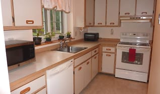 Kitchen, 5 Foxglove Ct