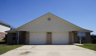 502 Manhatten Dr, Unit A, Rogers, TX