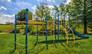 Playground, Summit East Plaza Apartments