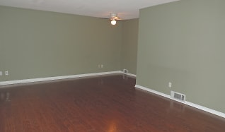Living Room, 7531 Rainbow