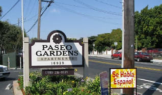 Community Signage, Paseo Gardens